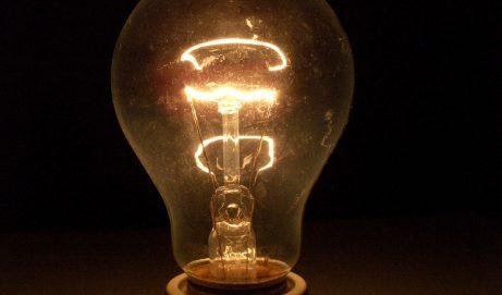 Beim Strom Geld sparen: So geht's