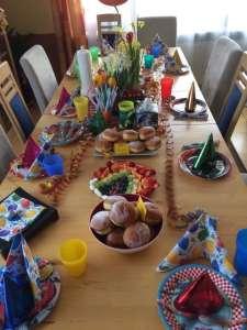 Dekoration einer Faschingstafel