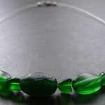 gruene kette 150x150 Ketten und Ohrringe mit Perlen selber basteln