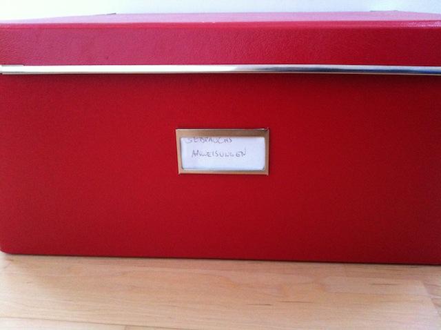 Schachtel für Gebrauchsanweisungen oder Rechnungen