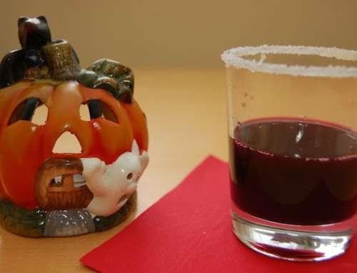 Halloween Drinks in Blutrot ohne Alkohol