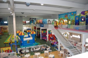 1. Stock Indoorspielplatz Family Fun