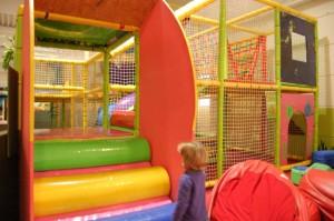 Kletterpark für die Kleinen im Indoorspielplatz