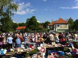 Flohmarkt in Deutsch-Wagram im Freien