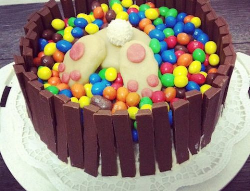 Topfen-Vanille Torte mit Osterhasen Dekoration