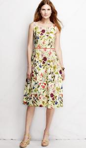 Romantischer Modestil: stylzz.at - romantisches Sommerkleid mit Blumenmuster