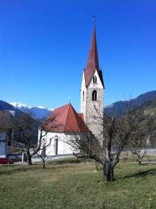 Pfarrkiche der Gemeinde Lüsen in Südtirol