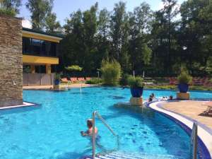 Thermen-Pool im Hotel Paradiso in Bad Schallerbach