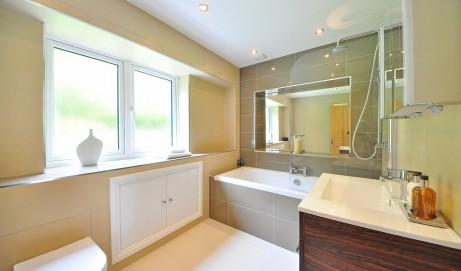 So gestalten Sie ein Badezimmer im Landhausstil