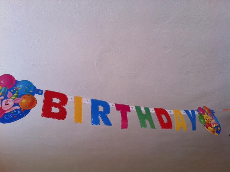 Geburtstagsgirlande für einen Kindergeburtstag