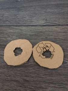 Kartonringe für einen Wollbommel