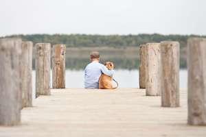 Das Haustier ist für viele Kinder DER Begleiter der Kindheit. Umso schwieriger fällt die Tatsache, dass auch Tiere nicht ewig leben. fotolia.com; Jenny Sturm
