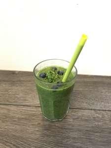 Green Smoothie - Grüner Smoothie mit Spinat und Obst