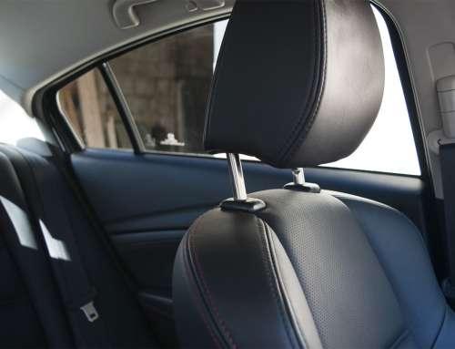 So reinigen Sie Ihre Autositze zu Hause