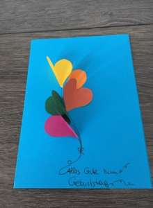 Geburtstagskarte basteln - Tonpapier Herzluftballons