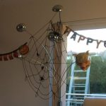 Halloween-Dekoration - Spinnennetz mit Wolle